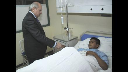 Ministro de Defensa visitó a militares heridos en el Vraem
