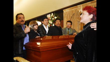 Pedrito Otiniano es velado en el Ministerio de Cultura