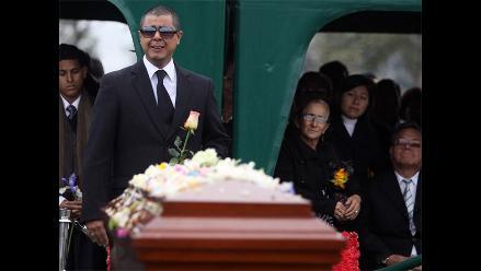 Pedrito Otiniano fue enterrado en cementerio de Huachipa
