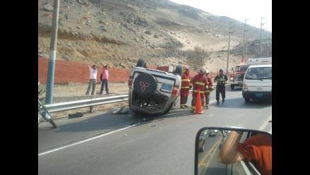 Arequipa: Cinco heridos deja despiste y vuelco de camioneta en Chivay