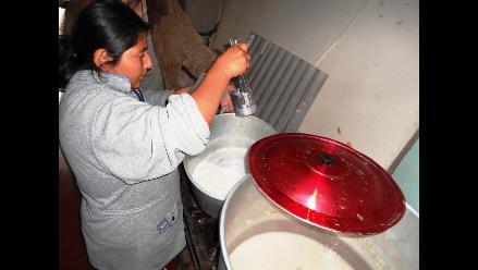 Más de 1 700 litros de leche dan a clubes de madres de Trujillo