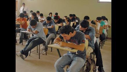 Cerca de 5 500 postulantes rinden examen de ingreso a la UNI
