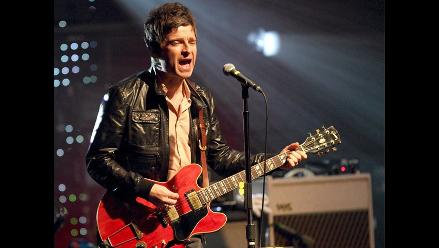 Noel Gallagher se burla de show de su hermano en Londres 2012