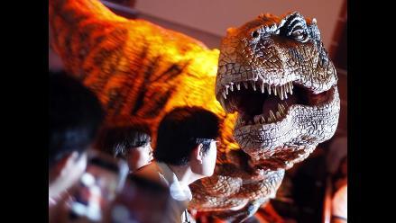 Descubren posible huella de dinosaurio en complejo de la NASA