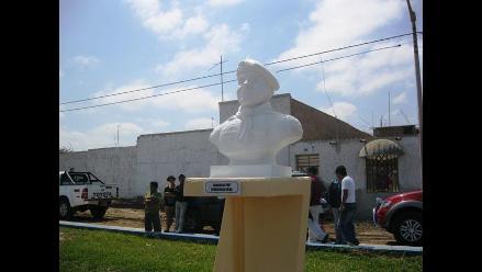 Chiclayo: Develan busto de suboficial César Vilca en Reque