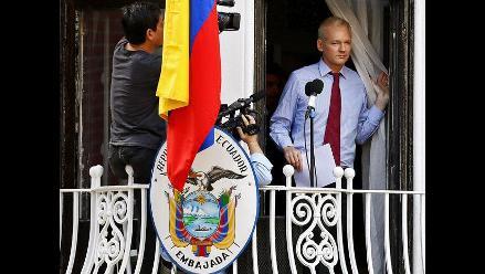 EEUU acusa a Assange de distraer atención de investigación en su contra