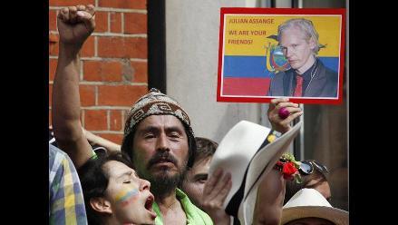 Canciller ecuatoriano inició gira por la región por caso Assange