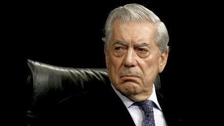 Vargas Llosa: Correa y Julian Assange son tal para cual