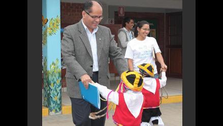 Salvador Cebrián vela por el bienestar de la niñez