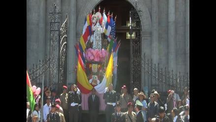 Policía rindió honores a Santa Rosa con misa y procesión en Arequipa