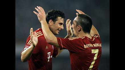 Claudio Pizarro participó en goleada del Bayern Munich al Stuttgart