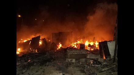 Viviendas de Pisco quedaron reducidas a cenizas tras incendio