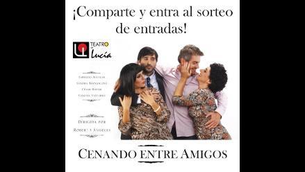 Cenando entre Amigos en el Teatro de Lucía