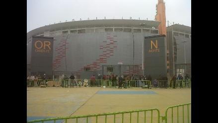 Cierran el tránsito vehicular alrededores de Estadio Nacional