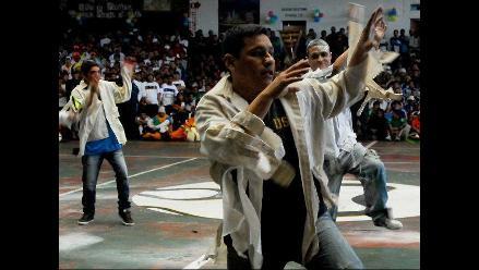Presos del penal de Lurigancho bailan Thriller en inicio de olimpiadas