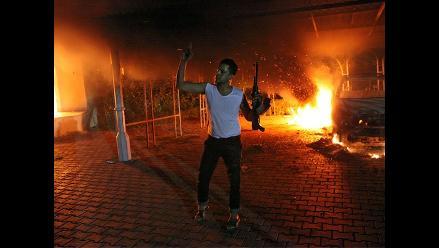 Imágenes del violento atentado al consulado de EE.UU. en Libia