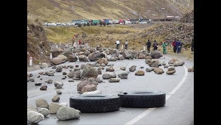 La Libertad: Bloquean carretera por paro civíco en Huancaspata