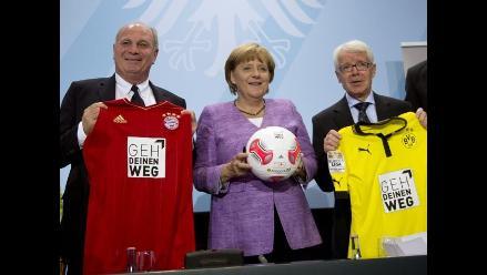 Angela Merkel y cúpula del fútbol alemán prometen apoyo a jugadores gays