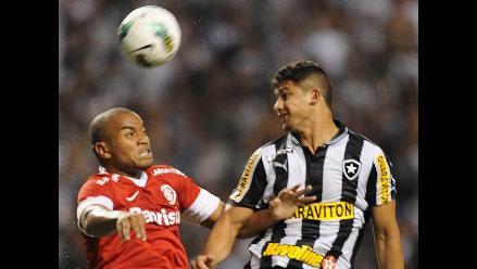 Botafogo empató 1-1 con el Inter de Porto Alegre por el Brasileirao