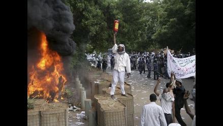 Protestas en Embajada de EEUU en Sudán dejan al menos tres muertos