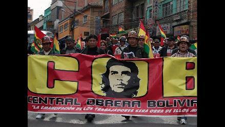 Obreros en huelga sindical por expropiación total de mina en Bolivia