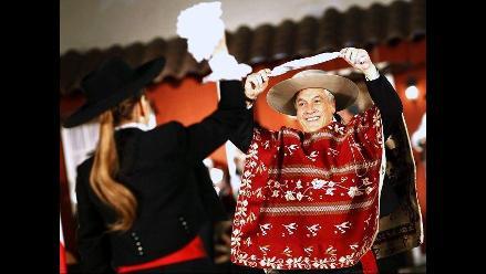 Piñera bailó una cueca en celebración de Fiestas Patrias de Chile