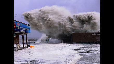 Sorprendentes imágenes del tifón ´Sanba´ en Corea del Sur