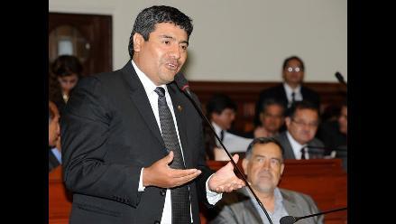 Se salvó: Parlamento rechaza suspender a congresista oficialista Wilder Ruíz
