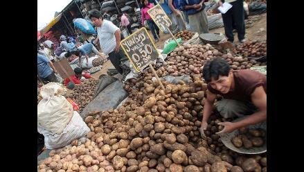 Minag: Papa, camote y zanahoria bajan de precio en La Parada