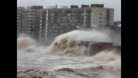 Fuerte temporal de lluvias y vientos azota la ciudad de Montevideo