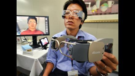 Presentan videoteléfono de manos libres en Japón