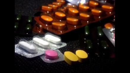 Automedicación puede causar lesiones al hígado y riñones