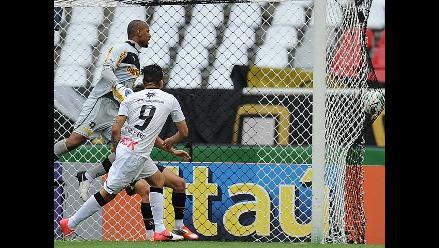 Las mejores imágenes del primer gol de Paolo Guerrero con Corinthians