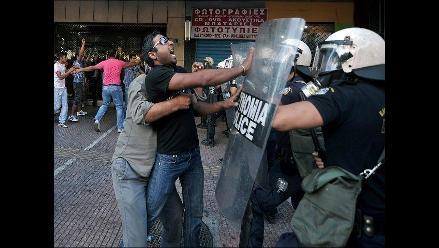 Policía dispersó con gases lacrimógenos a musulmanes en Atenas