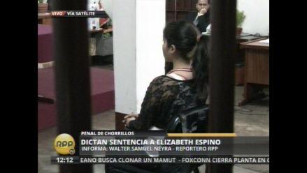 Elizabeth Espino escucha su sentencia por asesinato de su madre