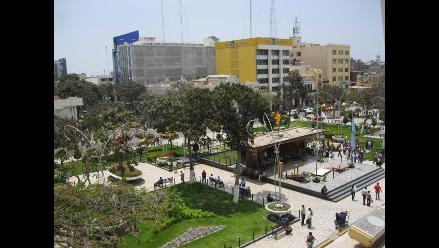 Murgia y Acuña sustentan presupuestos ante comisión en Chiclayo