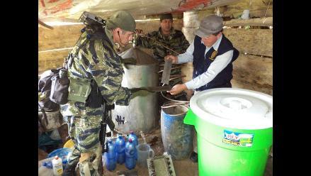 Policías incineran más de una tonelada de insumos químicos en Monzón