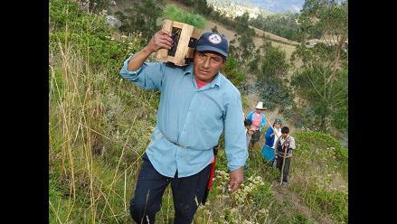 Cresencio Chinguel rescatando el bosque seco