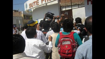 Amazonas: Maestros toman Ugel y bloquean carretera Belaúnde