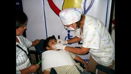 Edith Falconí Salazar promoviendo la salud bucal
