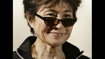 Yoko Ono expone dibujos de Lennon para celebrar su 72 cumpleaños