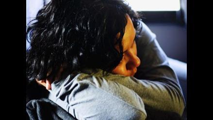Familiares que cuidan a enfermos de tumor cerebral sufren agotamiento