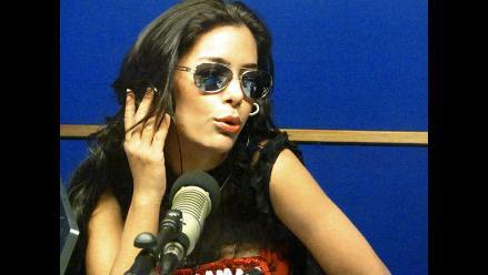 Larissa Riquelme se lanza como cantante con una pegajosa cumbia