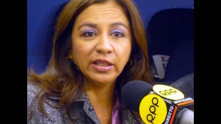 Espinoza: Fui elegida por el pueblo y no puedo dar paso al costado