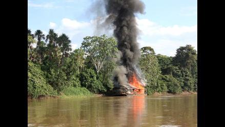 Dos dragas artesanales ilegales fueron intervenidas en el río Putumayo