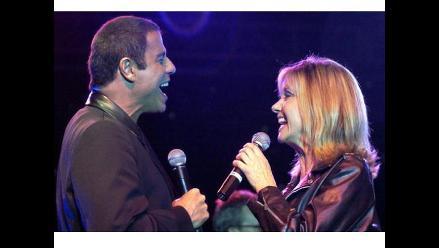 John Travolta y Olivia Newton-John cantan juntos después de 30 años