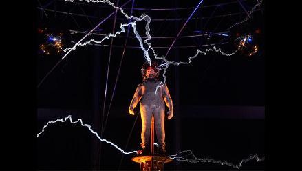 Ilusionista David Blaine soporta un millón de voltios por 3 días