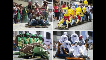 Divertida competencia de carros de rodillos en Colombia