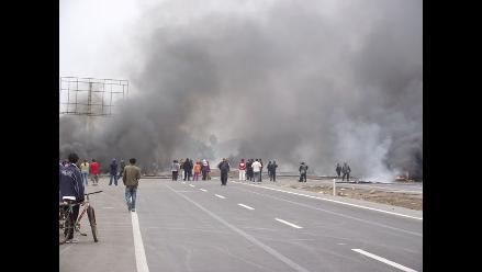 Piura: Cuatro heridos deja enfrentamiento entre policías y pobladores
