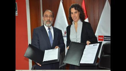 MIDIS y Reniec firman convenio para otorgar DNI a personas indocumentadas